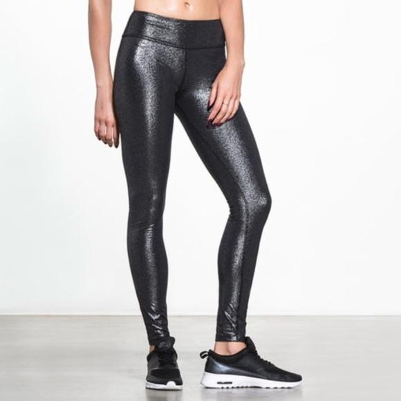 d276759b00294 Beyond Yoga Pants - Beyond Yoga Glitter Shimmer Essential Leggings M